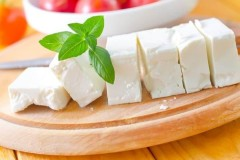 Изысканный вкус сливочного сыра Фетакса: калорийность, польза и секрет приготовления