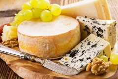 Аппетитный сыр с плесенью Горгонзола: вкус, происхождение, с чем его едят