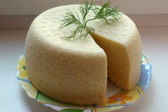 Как сделать домашний сыр из кислого молока