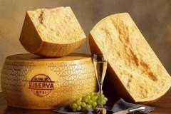 Грана Падано: итальянский твердый сыр, похожий на Пармезан