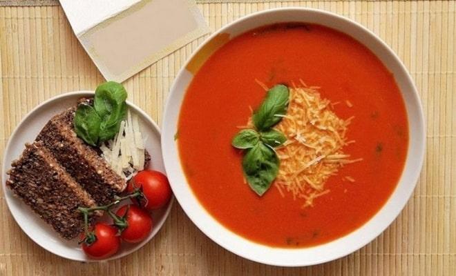 Суп из тушеных помидоров