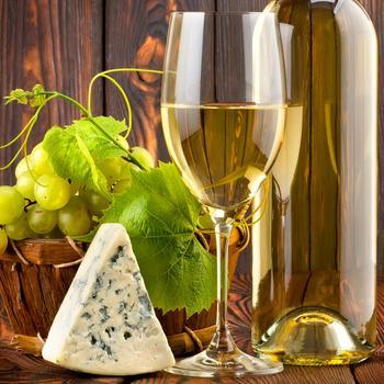 сыр и белое вино